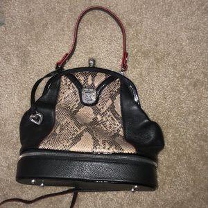 Brighton purse comes with bag also